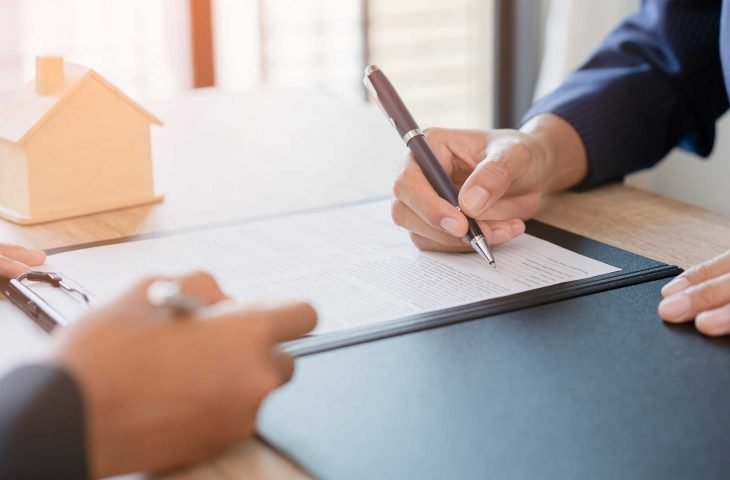 The Benefits of Using a Solicitor Recommended by Your Estate Agent